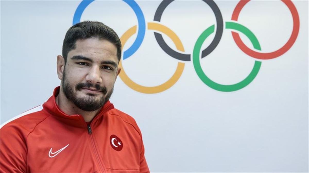 Milli güreşçi Taha Akgül üst üste ikinci olimpiyat altın madalyasını hedefliyor