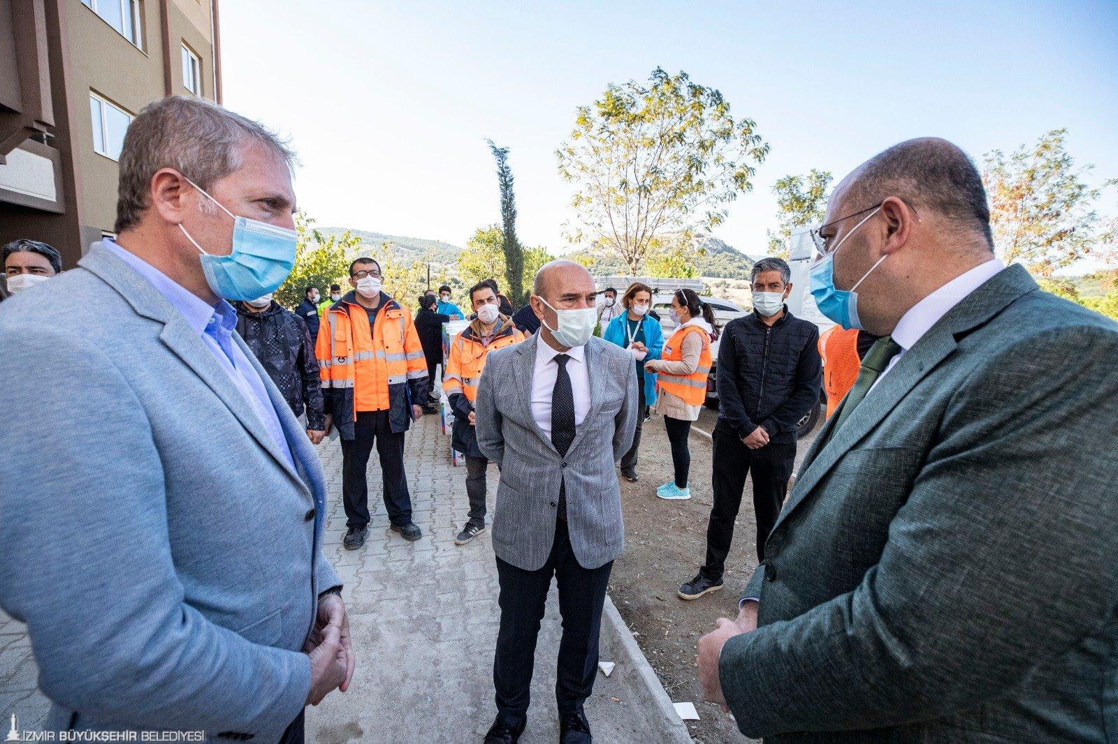 """Başkan Soyer depremzedelere seslendi: """"Sizleri bu konutlara davet ediyoruz"""""""