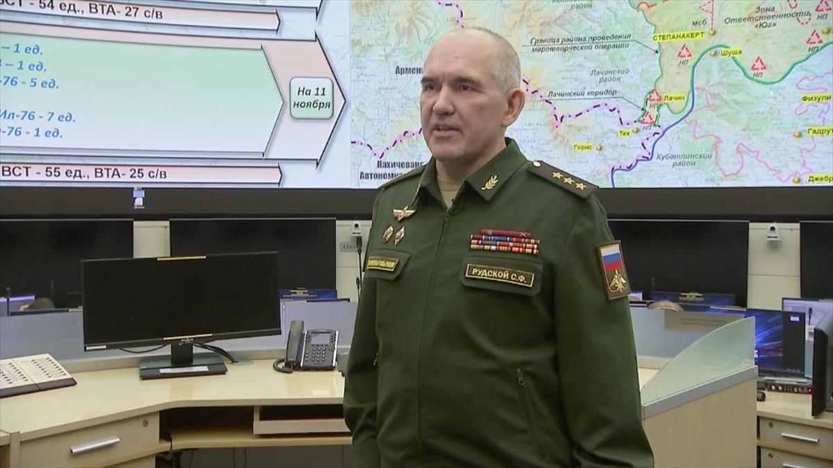 Rus barış gücü Dağlık Karabağ'da göreve başladı