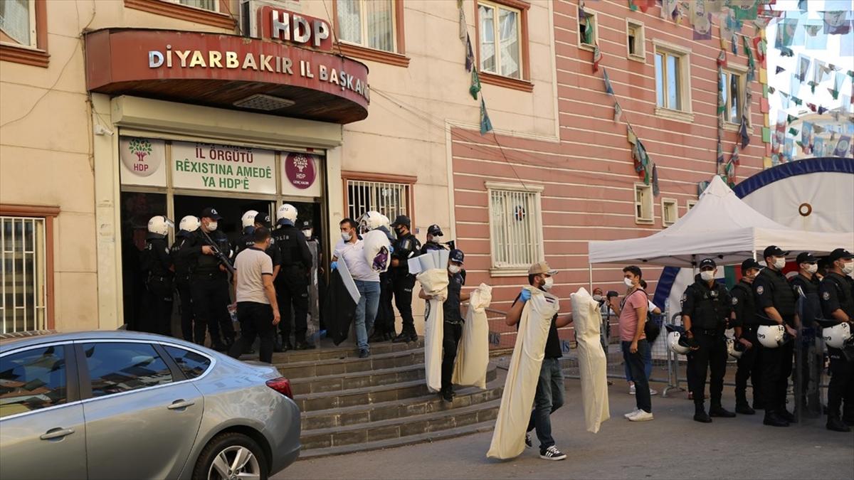 HDP binasında ele geçirilen ajandadan birçok saldırının faili teröristlerin ve yakınlarının bilgileri çıktı