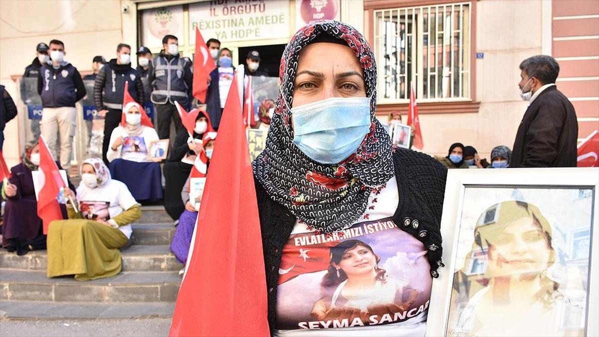 Diyarbakır annelerinden Sancar: Kızım annenin sesini duyuyorsan çık gel devlet güçlerimize teslim ol