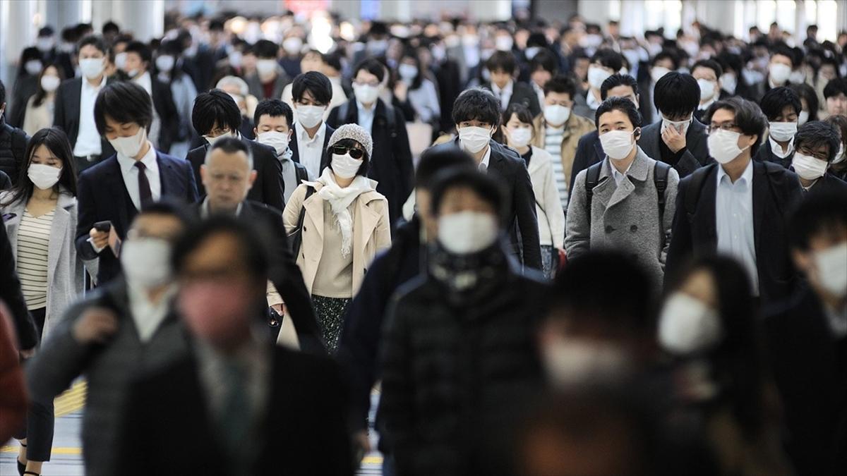 Tokyo'da Kovid-19 uyarı seviyesi en yükseğe çıkarıldı