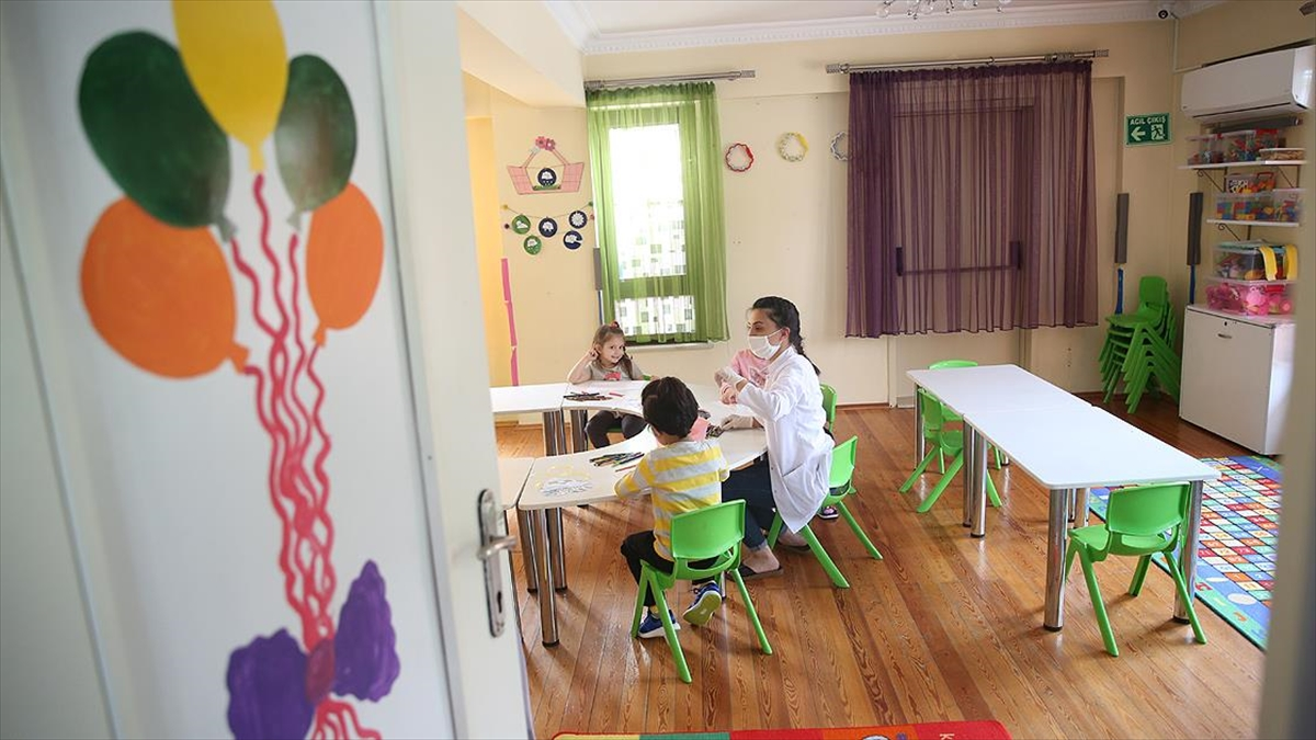 MEB: Tüm anaokulu, ana sınıfı ve uygulama sınıflarında haftada 5 gün yüz yüze eğitim yapılacak