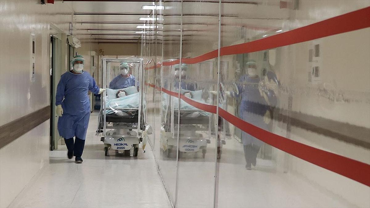 Türkiye'de son 24 saatte 32 bin 381 kişinin testi pozitif çıktı, 187 kişi hayatını kaybetti