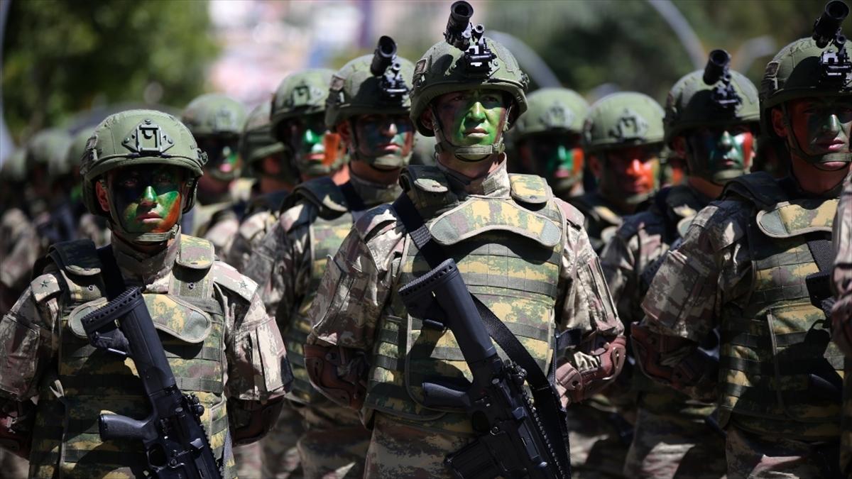 Mehmetçik Azerbaycan'daki askeri geçit törenine katılacak