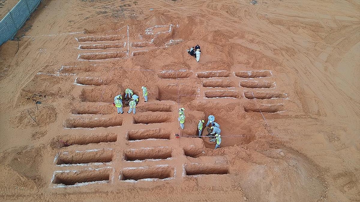 Uluslararası Ceza Mahkemesi toplu mezarları incelemek üzere Libya'ya heyet gönderecek