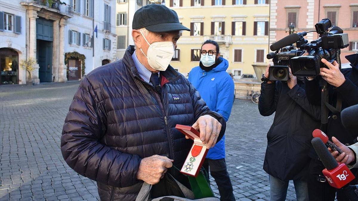 İtalyan gazeteci-yazar Augias'tan Fransa'ya 'Sisi' tepkisi: Onur nişanını iade etti