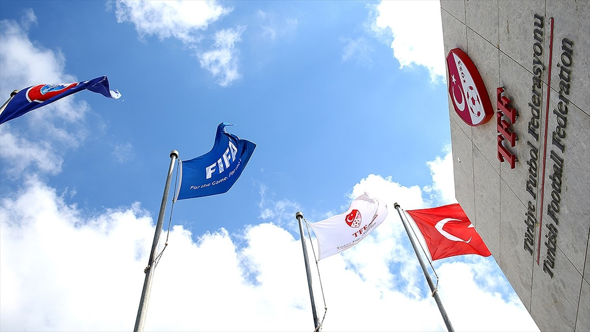Süper Lig'den 2 kulüp PFDK'ye sevk edildi