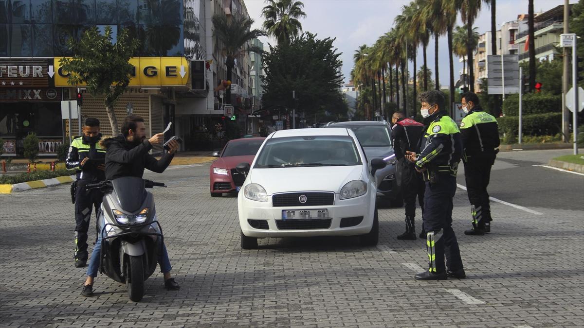 Antalya'da 8 Aralık'tan sonra Kovid-19 vaka sayısı yüzde 100 düşüş gösterdi