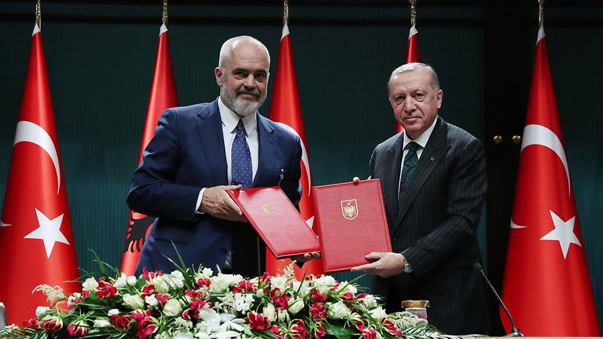 Cumhurbaşkanı Erdoğan: FETÖ'nün Türkiye-Arnavutluk ilişkilerini zehirlemesine izin vermeyeceğiz