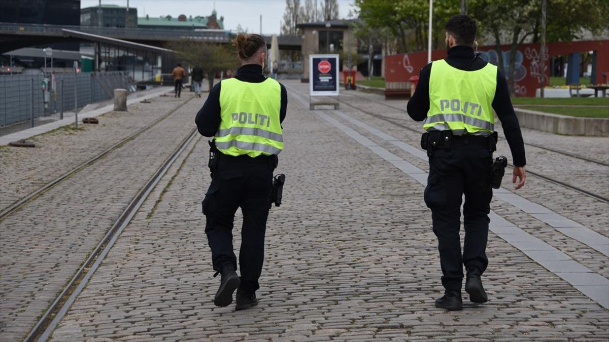 Danimarka, Kovid-19'un daha hızlı yayılan türü B117 nedeniyle ülkedeki tedbirlerin süresini uzattı