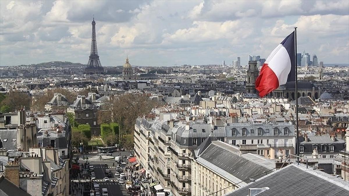 Fransa, AB dışındaki ülkelerden giriş çıkışları 31 Ocak'tan itibaren askıya alacak
