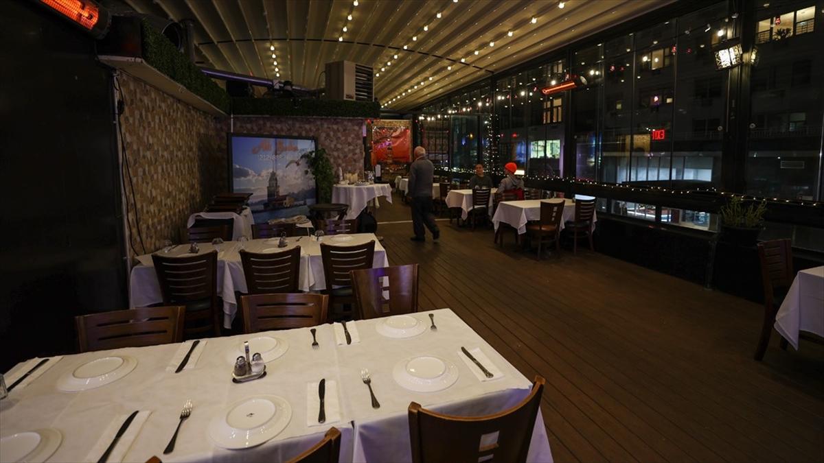 New York'taki restoranların iç mekanlarında 14 Şubat'tan itibaren yüzde 25 kapasiteyle hizmet verilebilecek