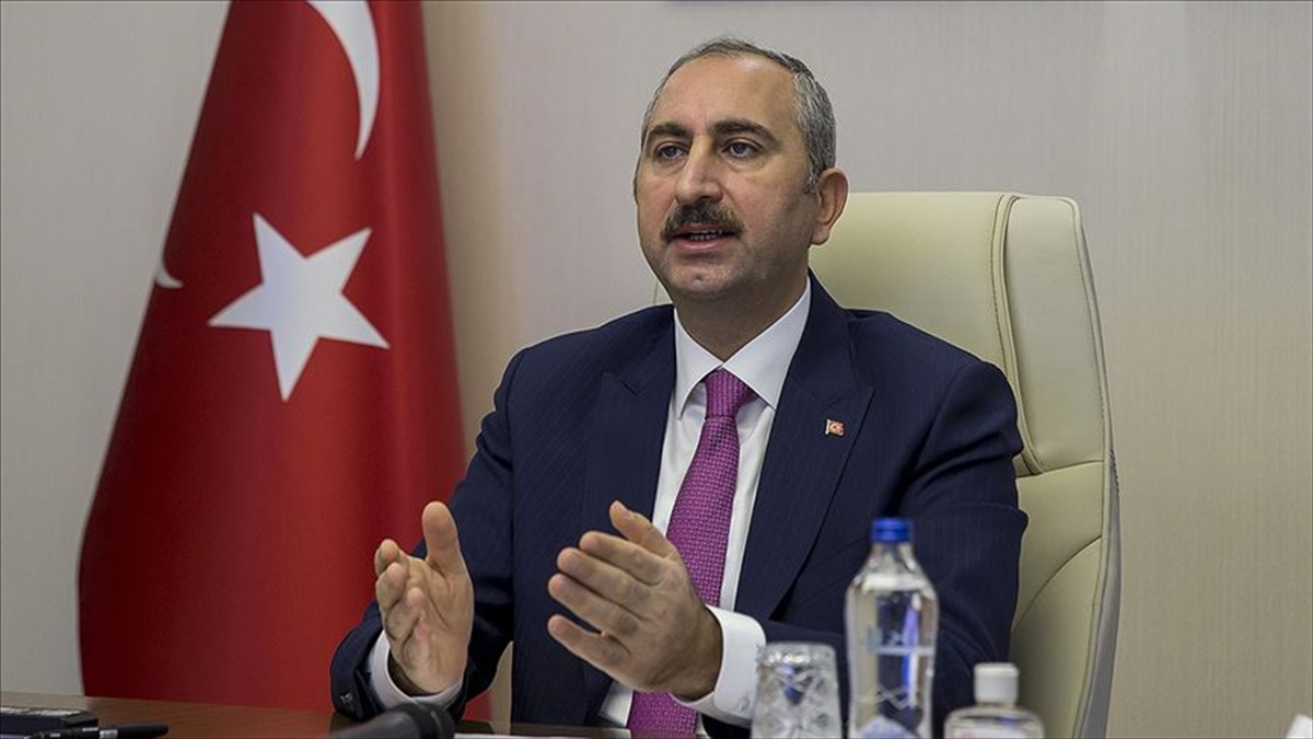 Adalet Bakanı Gül: Cumhurbaşkanımızın yeni anayasa vurgusu hepimiz için heyecan verici bir müjdedir