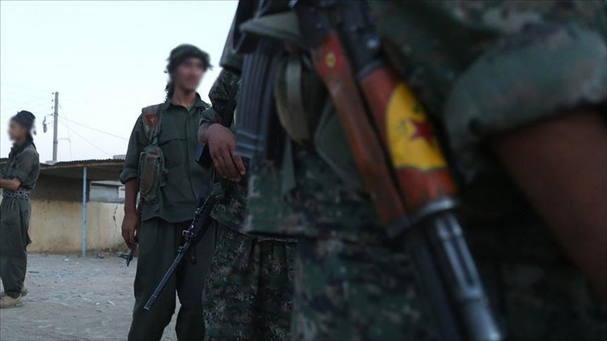 Terör örgütü YPG/PKK, Suriye'de dayattığı eğitim müfredatını uygulamayan öğretmenleri alıkoyuyor