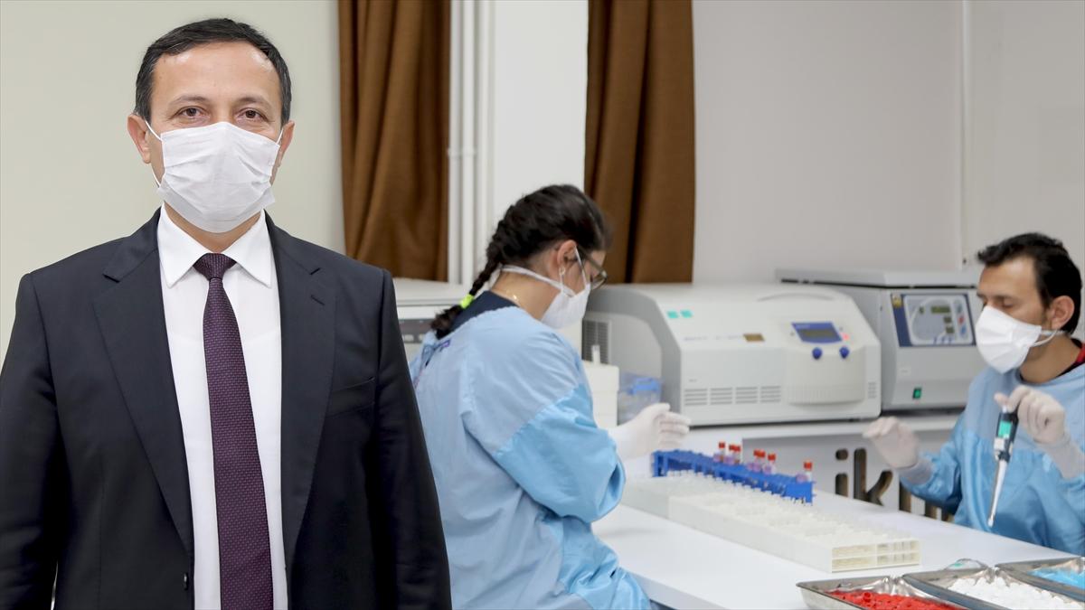 ERÜ'de Kovid-19 aşı adayının faz-2 çalışmalarında ilk doz gönüllülere uygulanmaya başlandı