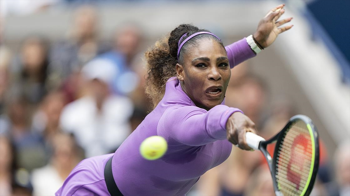 Serena Williams Avustralya Açık'ta yarı finale çıktı