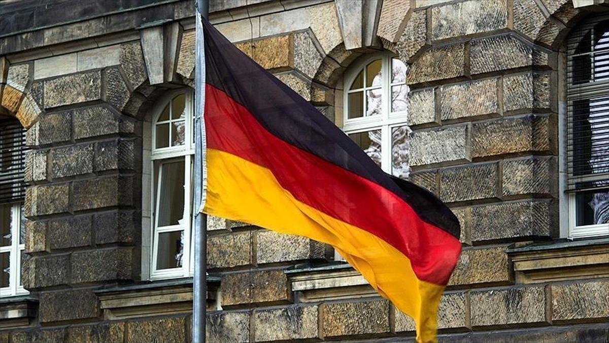 Almanya'da terör örgütü PKK üyesine 1,5 yıl hapis cezası verildi