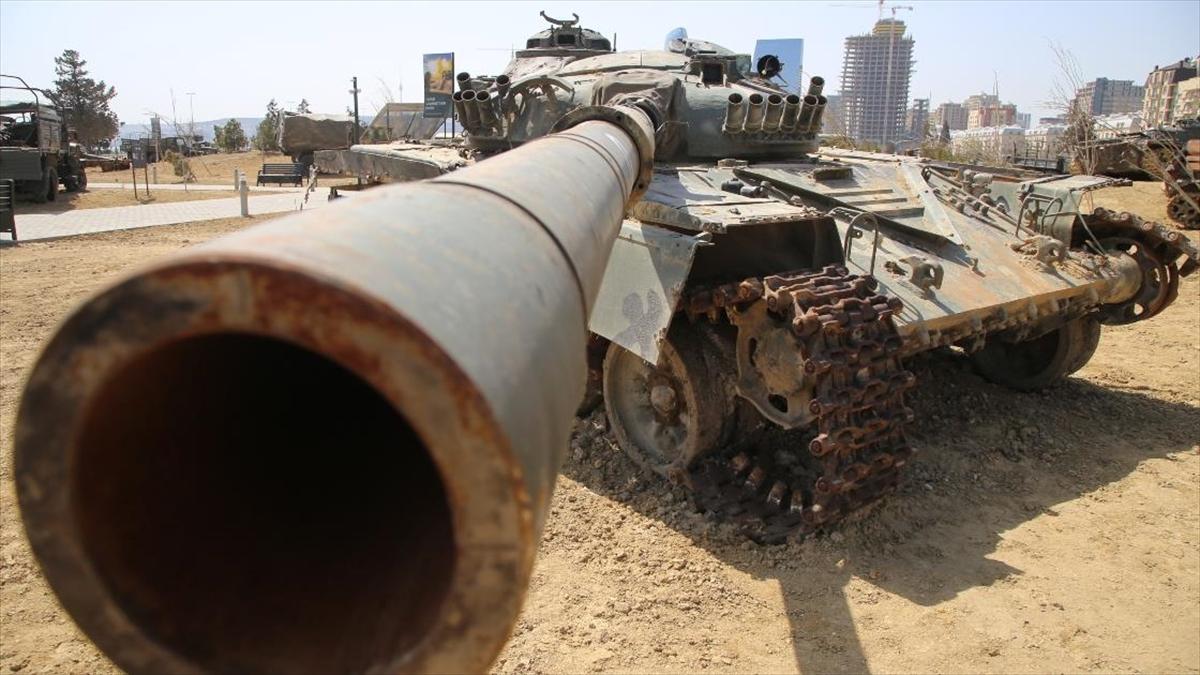 Azerbaycan, 2. Karabağ Savaşı'nda ele geçirdiği Ermenistan silahlarını 'Ganimetler Müzesi'nde sergiliyor