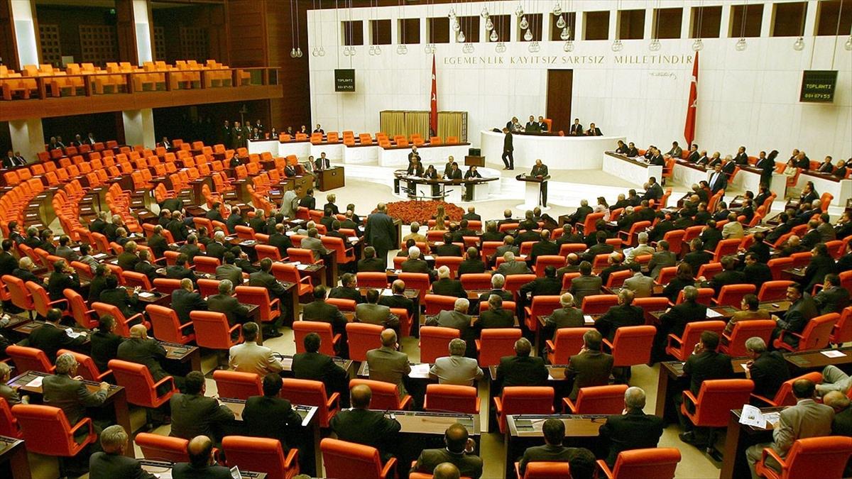 Türk demokrasisinin askeri müdahalelere karşı duruşunda kırılma noktası: 27 Nisan e-muhtırası