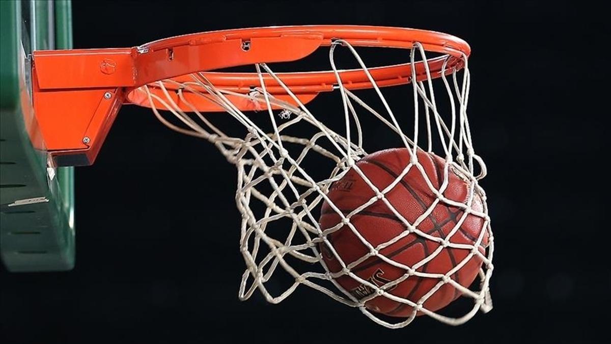 Suns son NBA şampiyonu Lakers'ı eledi