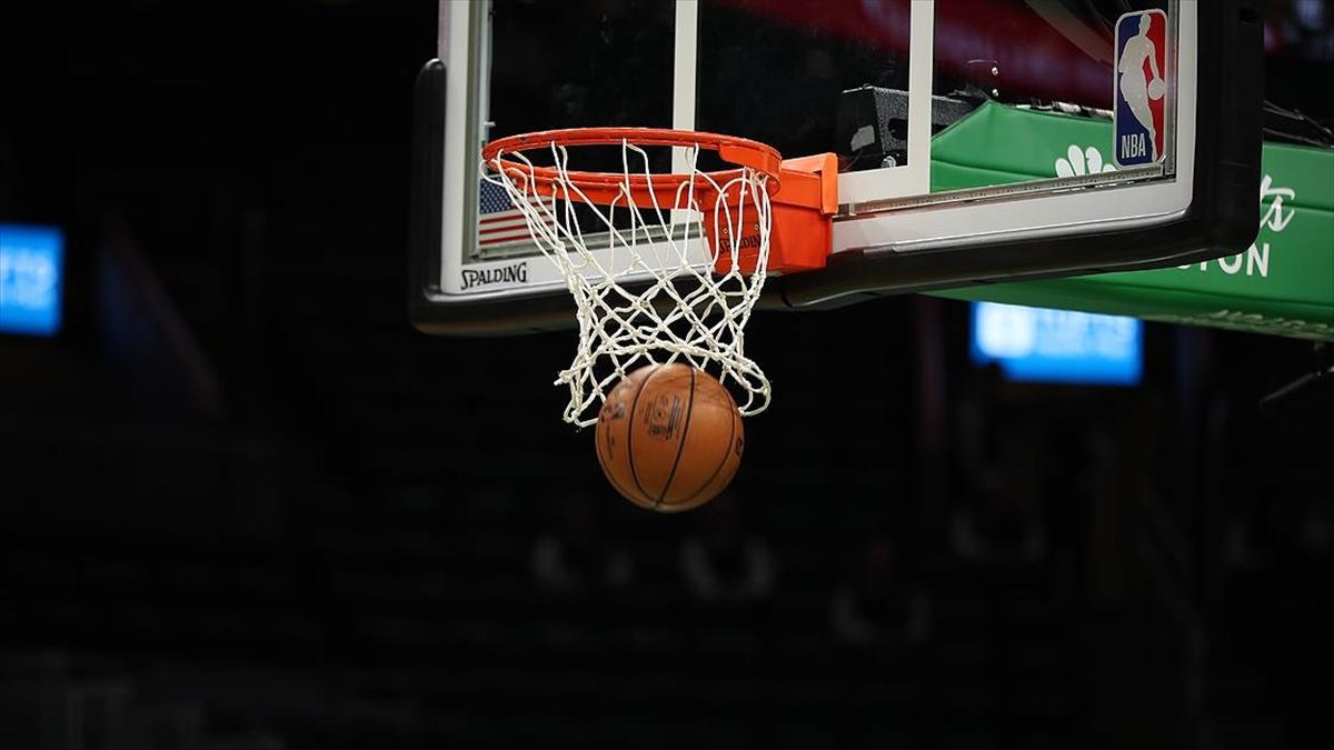 NBA'de Mavericks'i yenen Clippers konferans yarı finaline kalan son takım oldu'de Mavericks'i yenen Clippers konferans yarı finaline kalan son takım oldu