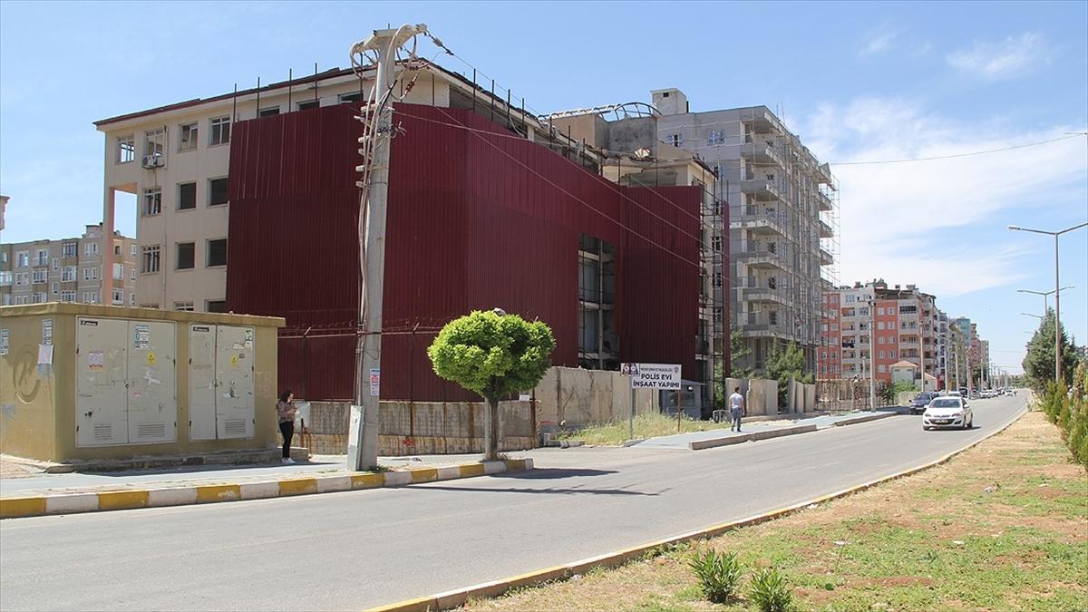 PKK'lı teröristlerin Midyat'ta bomba yüklü araçla gerçekleştirdiği saldırı unutulmadı