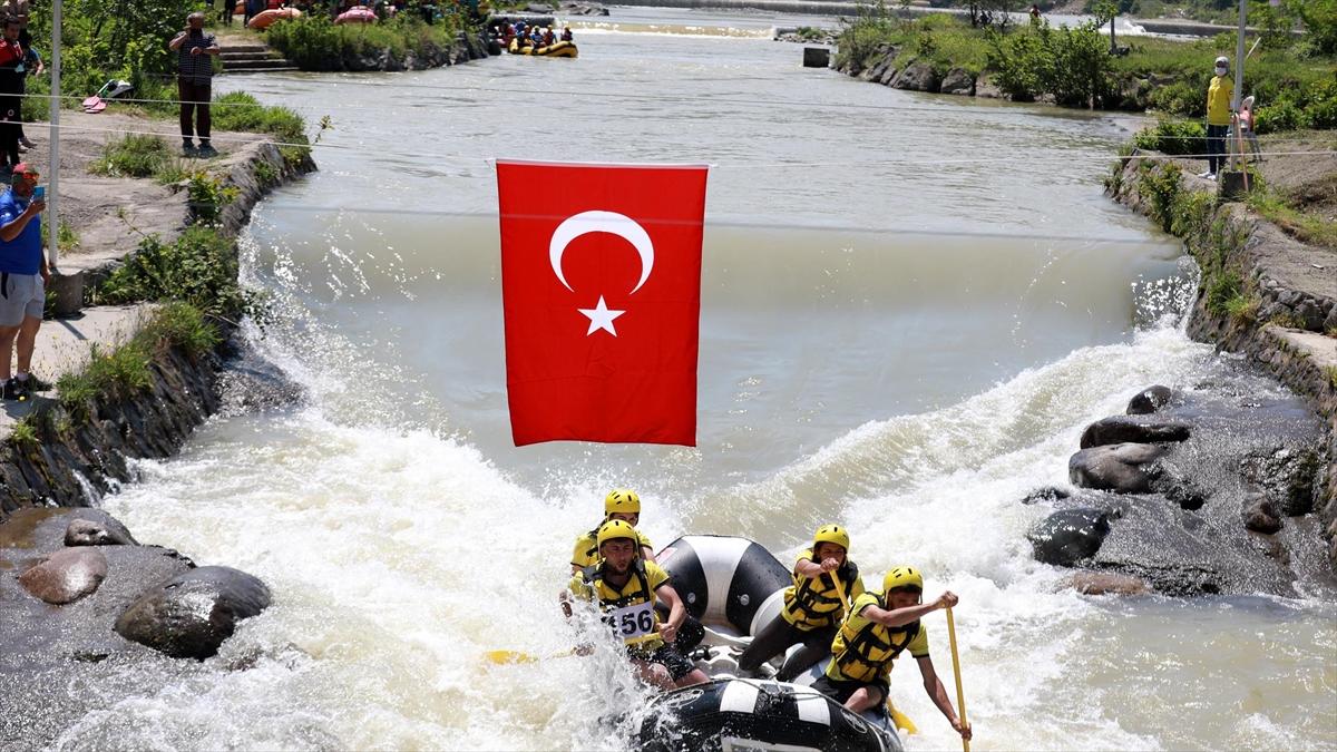 Türkiye Rafting Şampiyonası 1. ayak yarışları Rize'de başladı