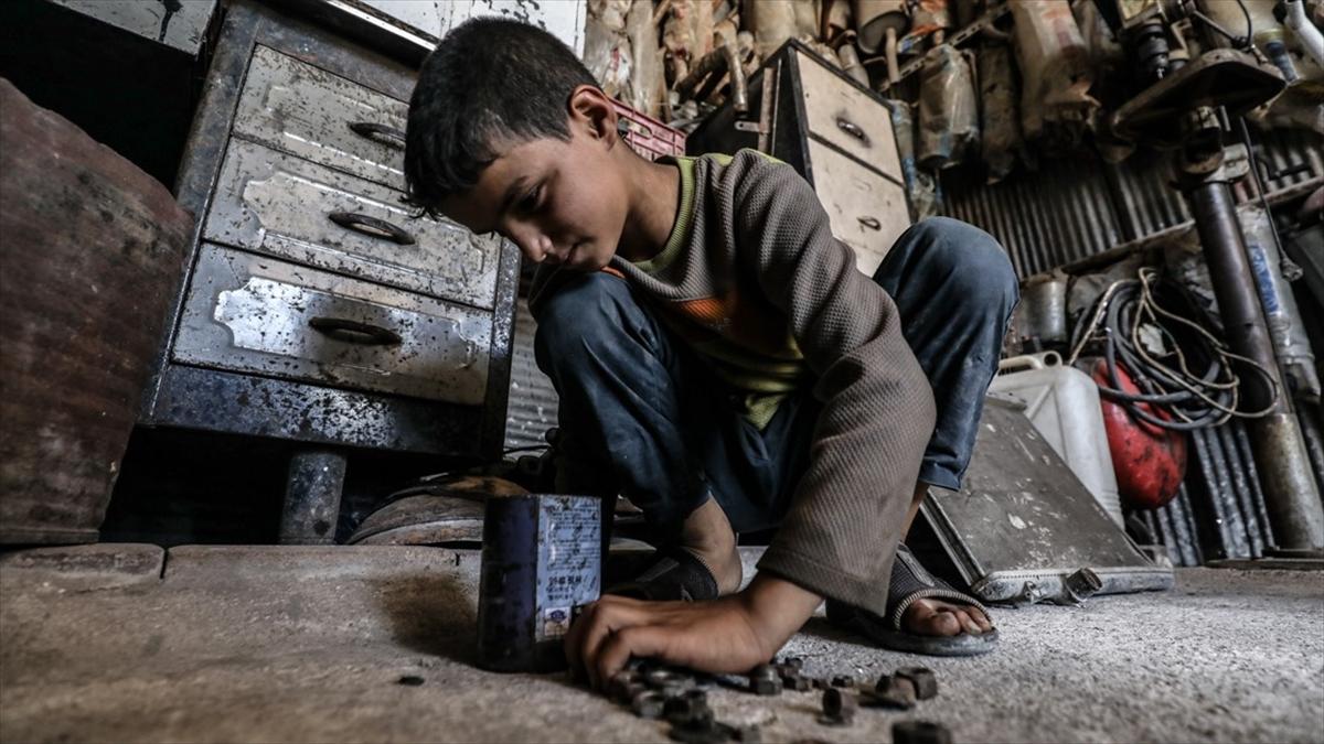 Dünyada çocuk işçilerin sayısı 160 milyona yükseldi