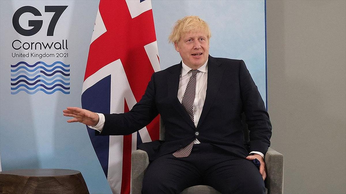 İngiltere Başbakanı Johnson, Kuzey İrlanda Protokolü üzerinden AB'yi tehdit etti