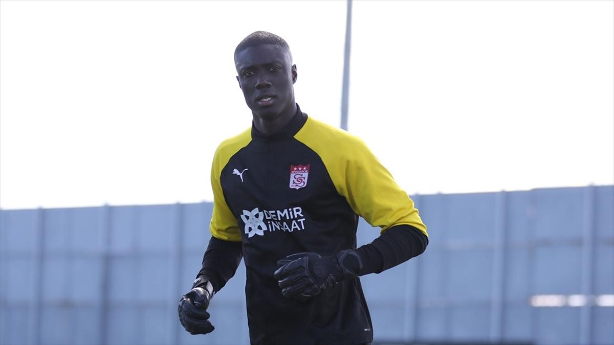 Sivasspor sözleşmesi sona eren Samassa ile yollarını ayırdı