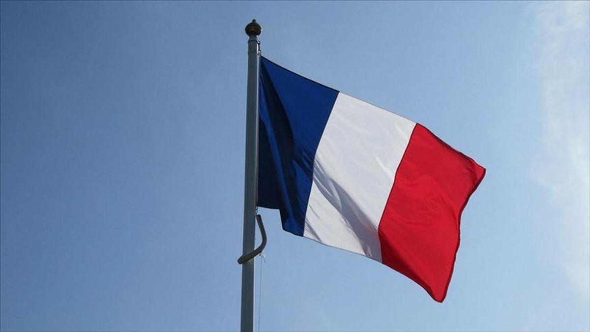 Fransa, Lübnan'da başarısızlıkla sonuçlanan siyasi girişiminin ardından yönünü orduya çevirdi