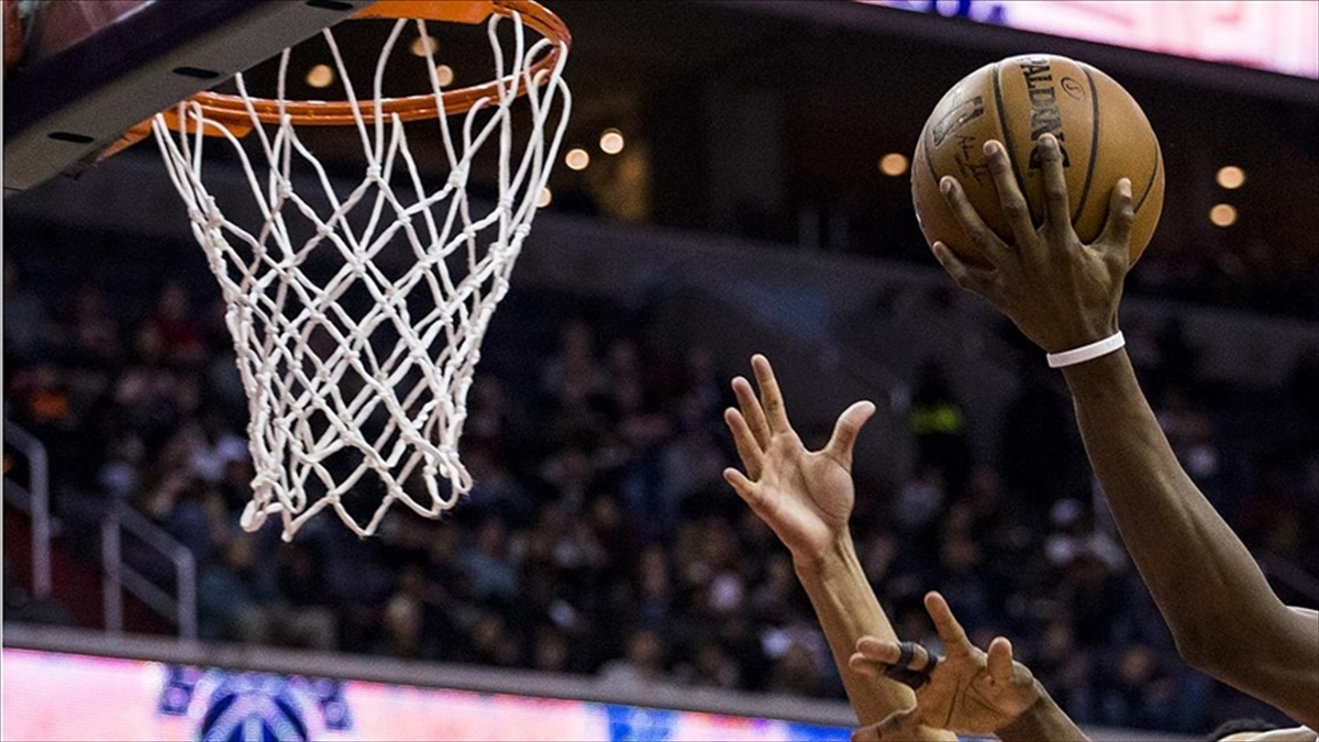 NBA'de 'yılın çaylağı' Charlotte Hornets'tan LaMelo Ball oldu