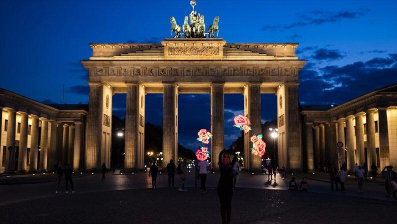 Almanya üçüncü ülkelerden turistik seyahat kısıtlamasını şartlı kaldırdı
