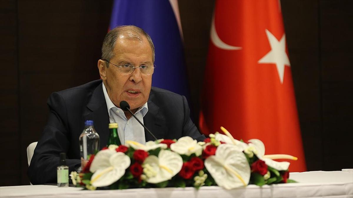 Lavrov: Türkiye ile turizmin devamı için çalışmalarımızı sürdüreceğiz