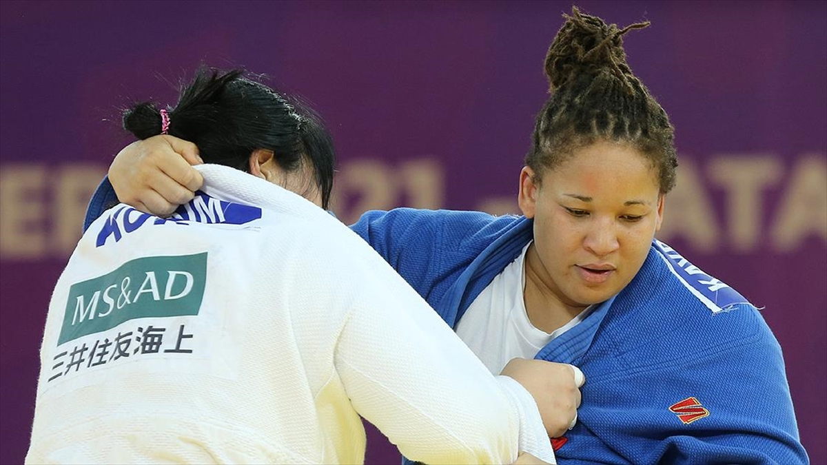 Türkiye'nin Gururu Kadın Sporcular: Kayra Sayit
