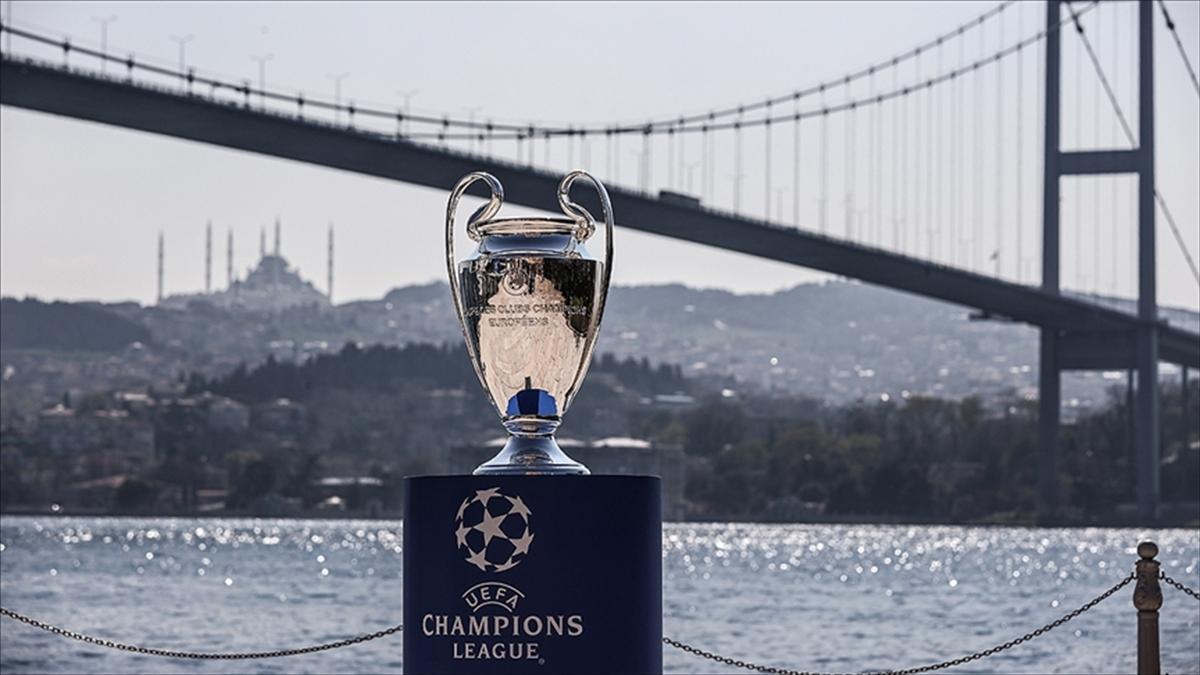 UEFA Şampiyonlar Ligi'nde grup kuraları yarın İstanbul'da çekilecek