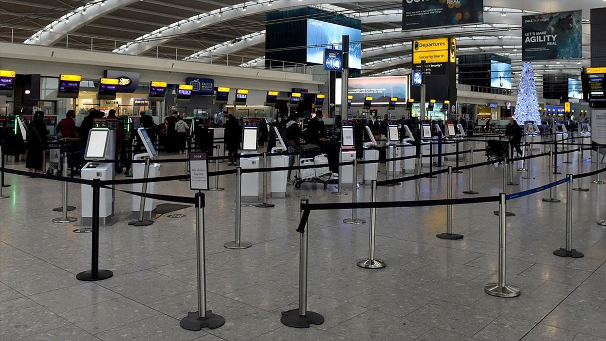 İngiltere, Türkiye'yi seyahat sonrası zorunlu otel karantinası gerektiren kırmızı listeden çıkardı