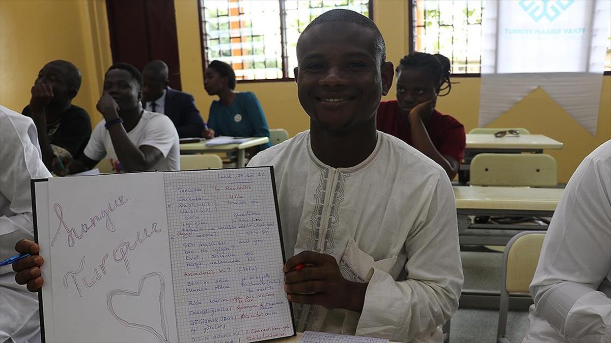 Kamerun'da ilk Türkçe kursu açıldı