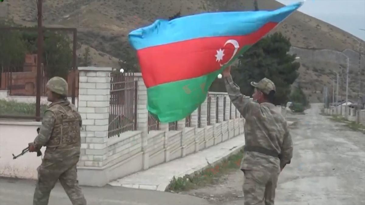 Ermenistan'ın işgalinden kurtarılan Talış köyünde Azerbaycan bayrakları dalgalanıyor