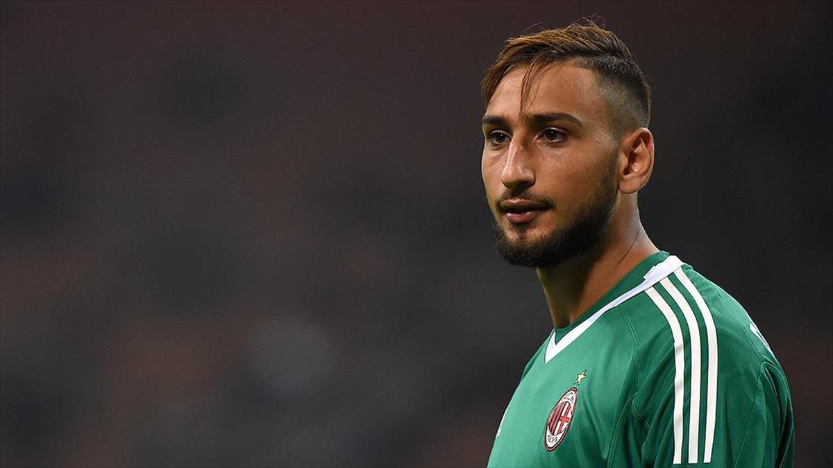 Milan'da 2'si oyuncu 5 kişi Kovid-19'a yakalandı