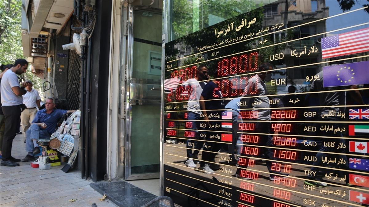 ABD başkanlık seçimini Biden'ın kazanmasının ardından İran'da döviz fiyatlarında sert düşüş görüldü
