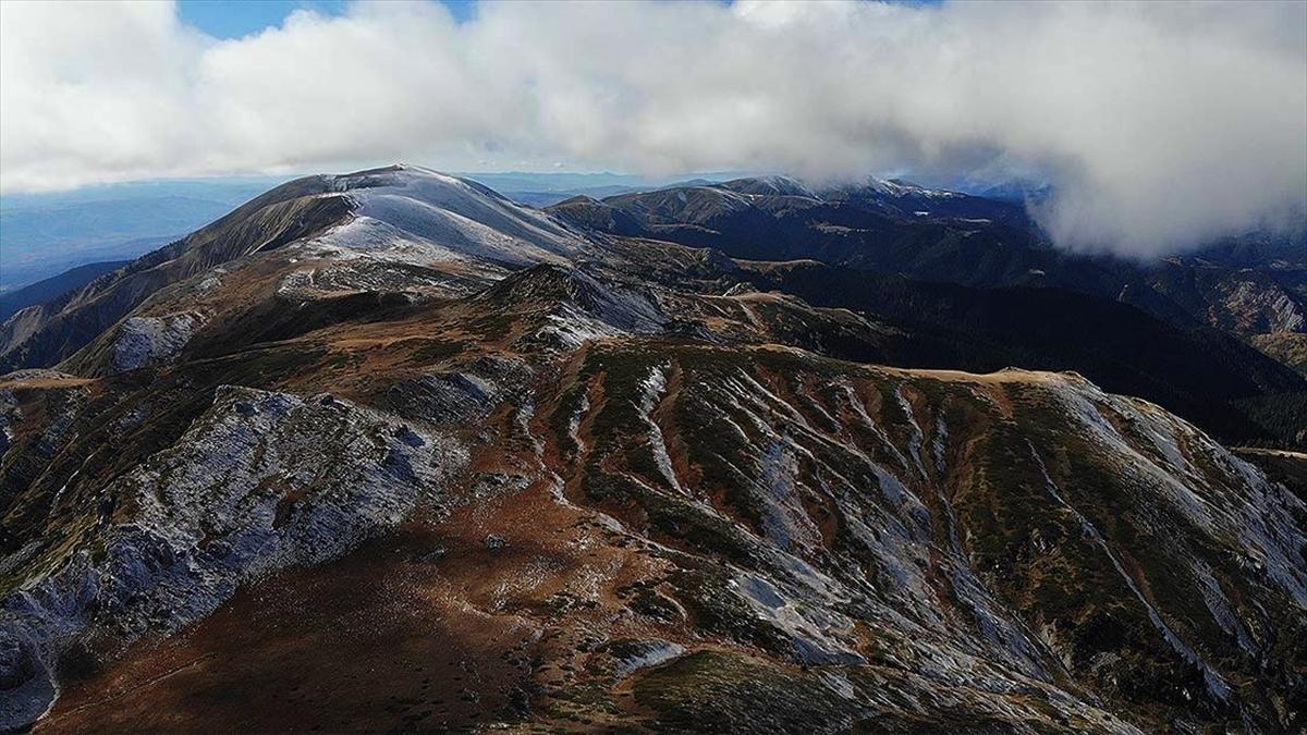 'Anadolu'nun yüce dağı' Ilgaz'da iki mevsim bir arada