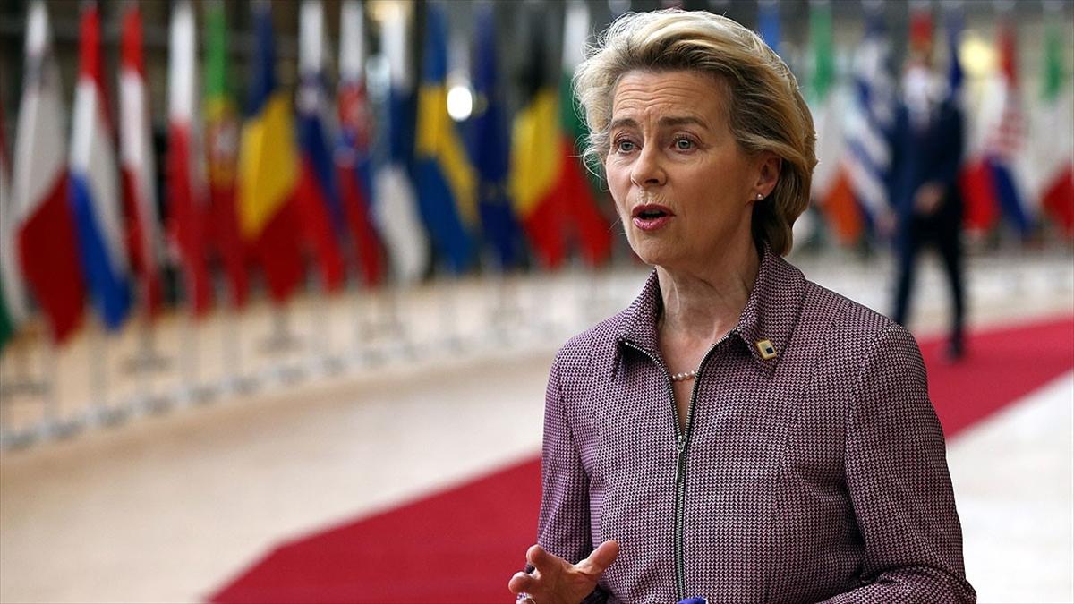 AB ve İngiltere Brexit müzakerelerini sürdürecek