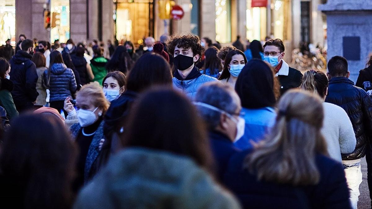 Dünya genelinde Kovid-19 tespit edilen kişi sayısı 77 milyon 180 bini geçti