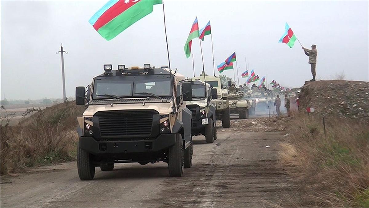 Azerbaycan ordusu Dağlık Karabağ'daki savaşta 2 bin 823 şehit verdi