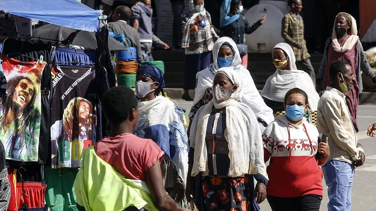 Afrika kıtasında Kovid-19 vaka sayısı 2 milyon 713 bini geçti