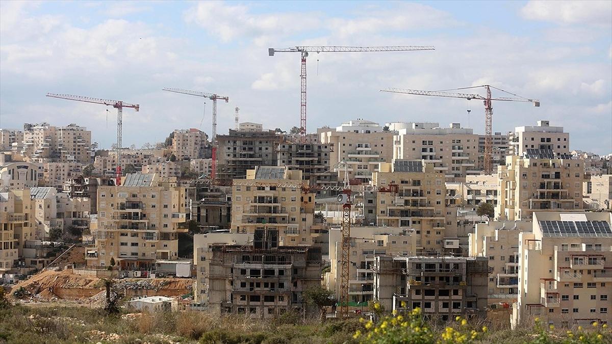 İsrail Batı Şeria'da yasa dışı 850 konut daha inşa edecek