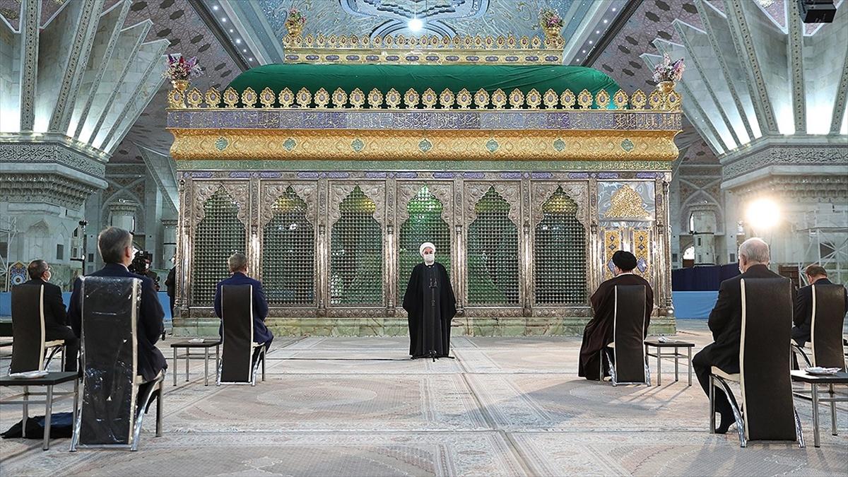 İran Cumhurbaşkanı Ruhani'den 'seçimlere katılım' vurgusu