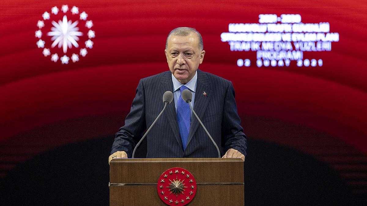 Cumhurbaşkanı Erdoğan: İstisnasız herkesin trafik güvenliği hususundaki çalışmalara destek vermesi şarttır